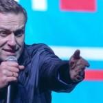 Навальный подает в суд на Путина