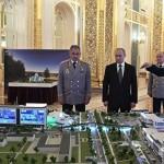 Путину показали макет военного технополиса, где есть его предвыборный билборд