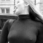 Майли Сайрус взбудоражила поклонников пикантным фото