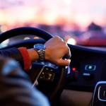 Люди, играющие на музыкальных инструментах, лучше водят автомобиль
